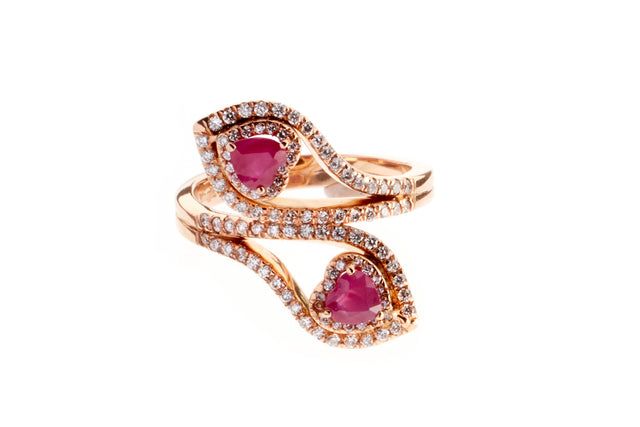 Due Cuori is the embodiment of true love. A pair of rubies, long since thought to bring passion to the wearer, heart-cut and entwined in rose gold and diamonds, create an intensely romantic gift.