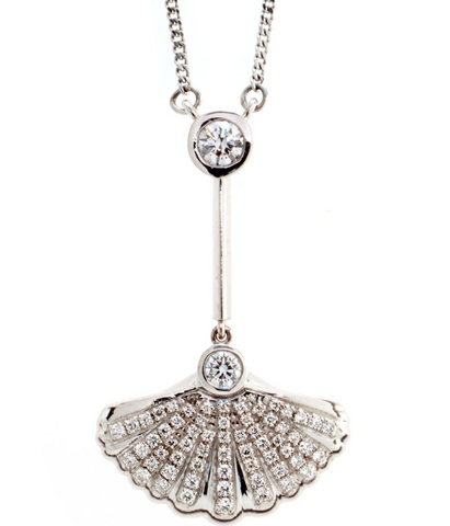Sirena shell necklace with brilliant diamond centrepiece
