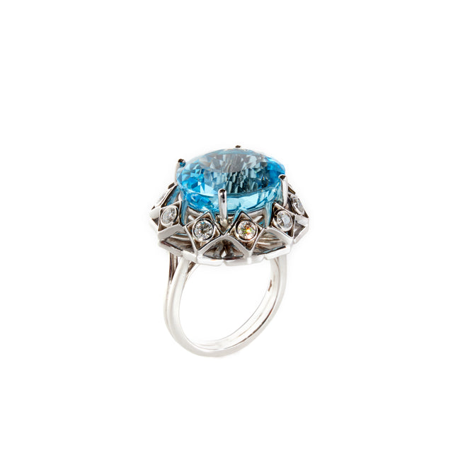 Oval blue topaz and diamond tefoil edge ring. Designed by Biagio Patalano as part of the Artistry collection.
