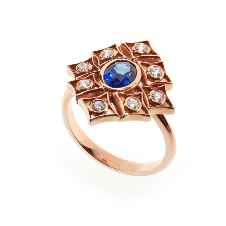 Oval sapphire and diamond 18ct rose gold ring. Part of the Rinascimento Notta Rosa collection.