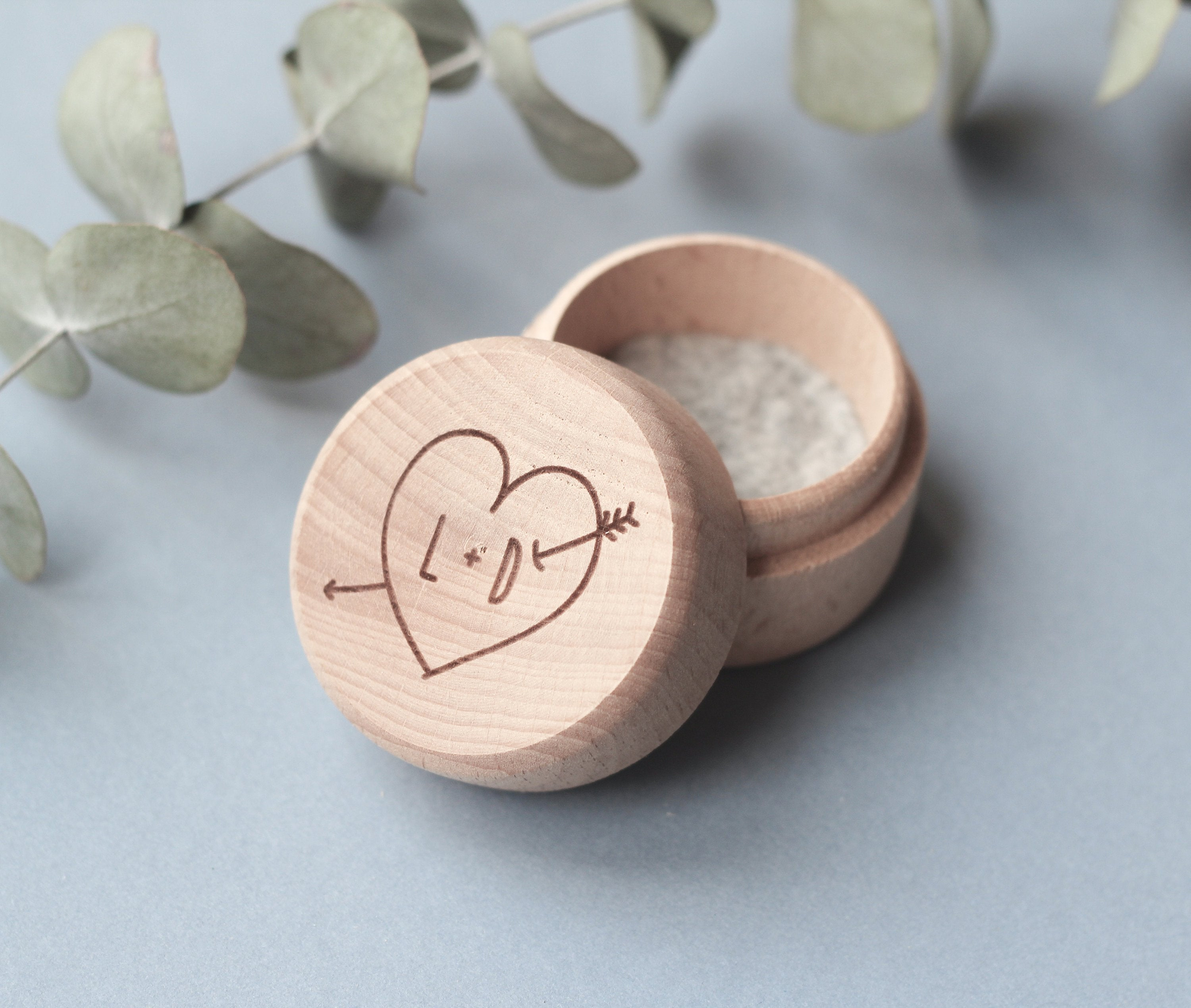 fira-site - Arrow Through Heart Wedding Ring Box