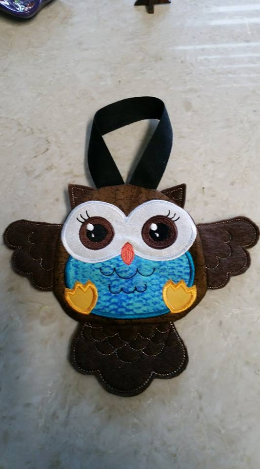 Owl Zipper Purse 4x4 5x5 - Sweet Pea In The Hoop Machine Embroidery Design