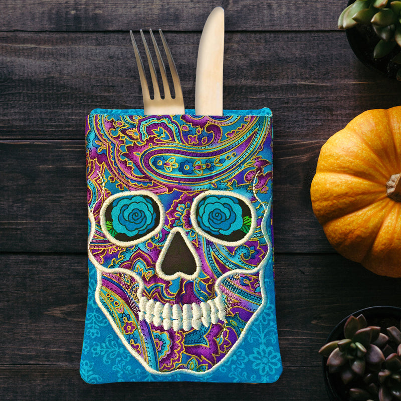 Skull Cutlery Holder 5x7