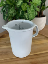 Load image into Gallery viewer, Enamel Measuring Jug 1 Litre White