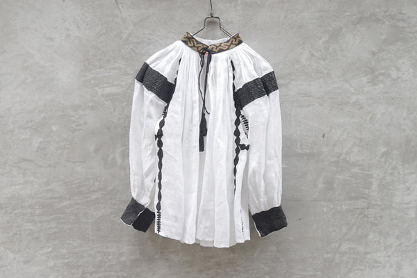 Leh Embroidery Transylvania Blouse White