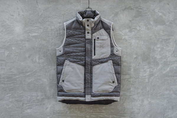 BURTON THIRTEEN Lupus Down Vest