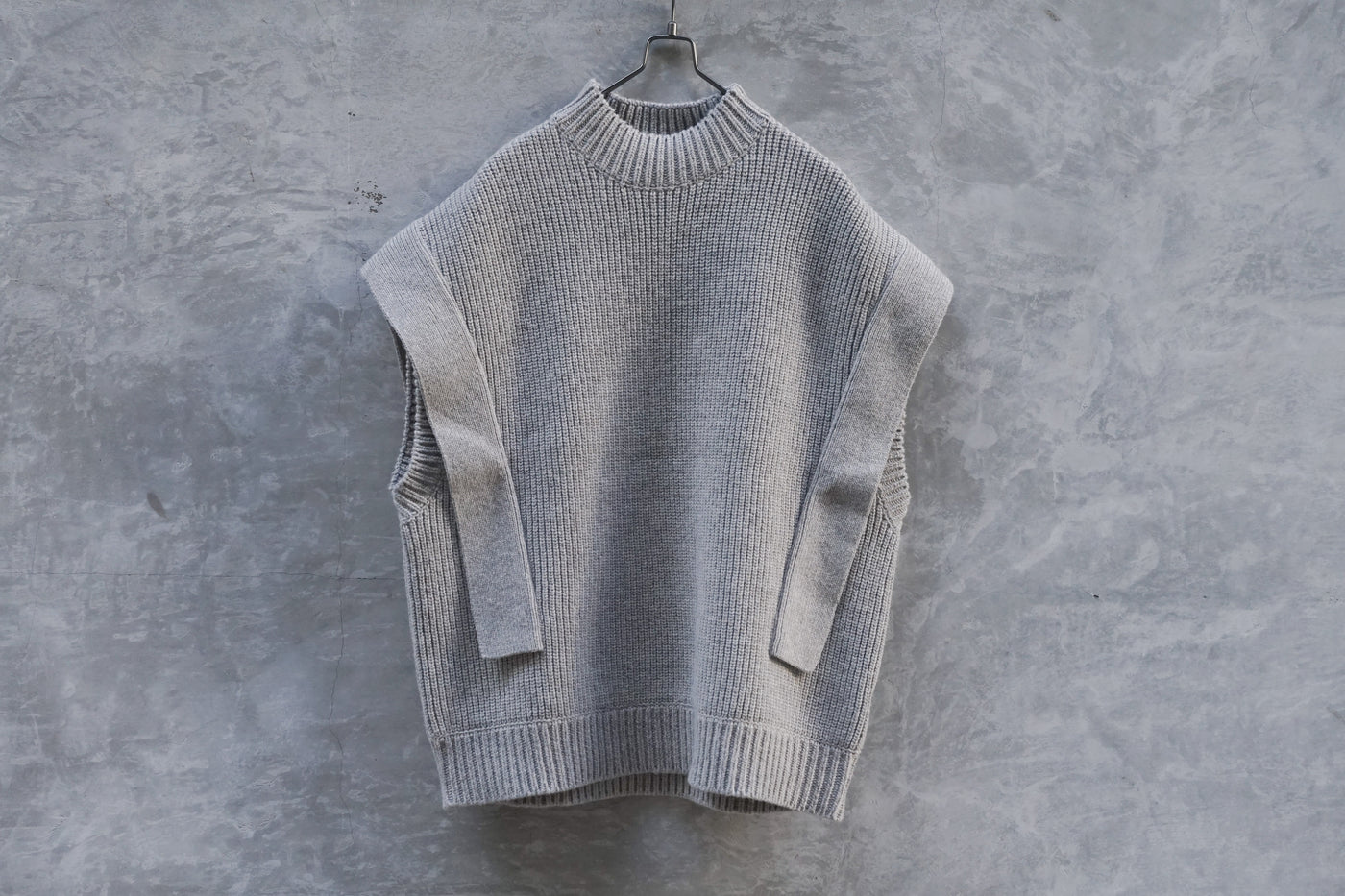 Clane Square Sleeve Knit Vest Grey