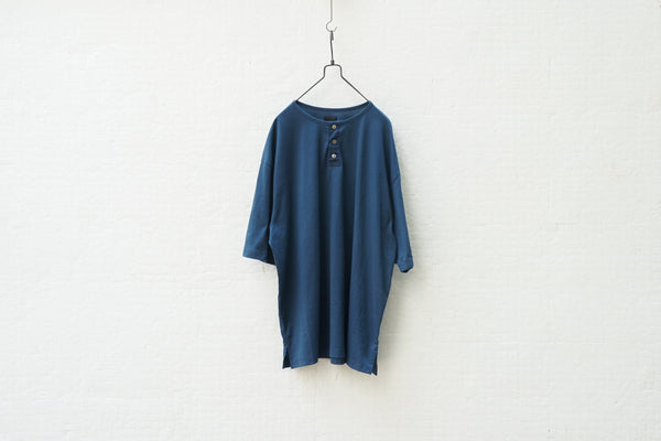 Easy To Wear Organic Cotton 30S Henley Neck Tee Blue - OKURA