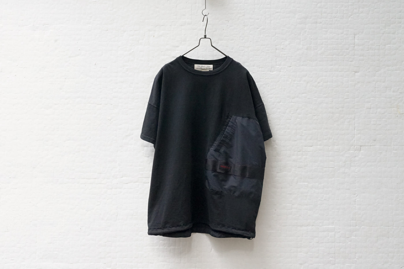 Remi Relief Briefing Tee B Black - OKURA