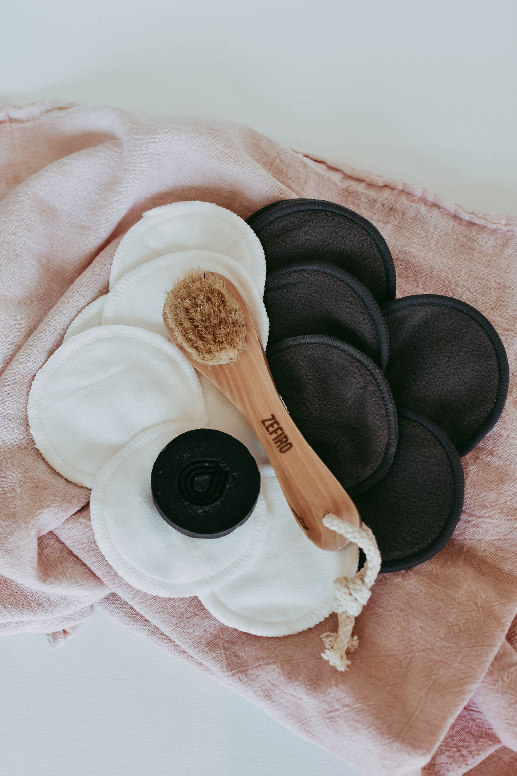 Charcoal Make-up Remover Pads - 7/pk