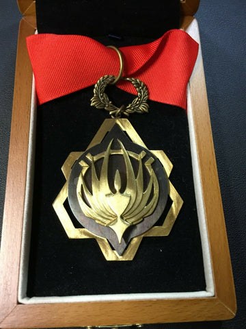 BATTLESTAR GALACTICA Medal of Distinction Prop Replica (B-Grade)