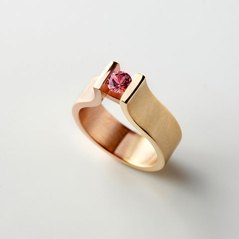 Pink Peach Sappire Tension Ring