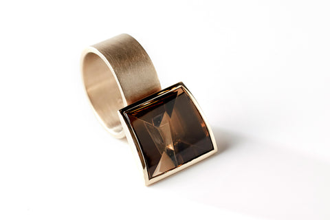 Hidden Secret ring, smokey quartz and cognac gold, jewellery by Rembrandt Jordan