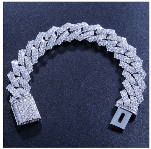 Cuban Link Bracelet Iced out (Hiphop Style)
