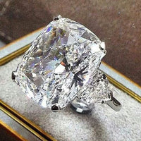 White Topaz Baguet Ring peridot Gemstone