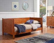 Load image into Gallery viewer, Flynn Day Bed, Acorn
