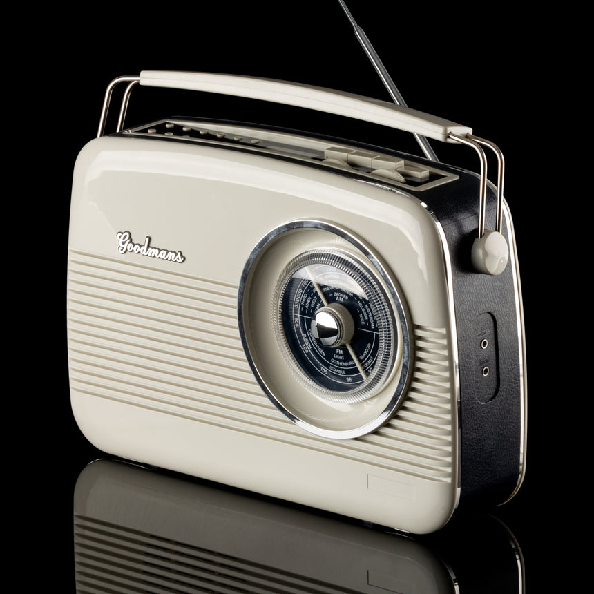 Goodmans Cambridge Iconic 60's replica DAB+ Radio GTR82DABCRM transparent background