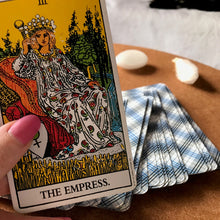 Load image into Gallery viewer, tarot class columbus ohio introduction to tarot cards tarot reading beginner workshop new age witchy