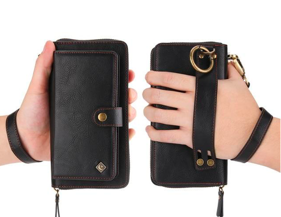 Purse with magnetic phone case