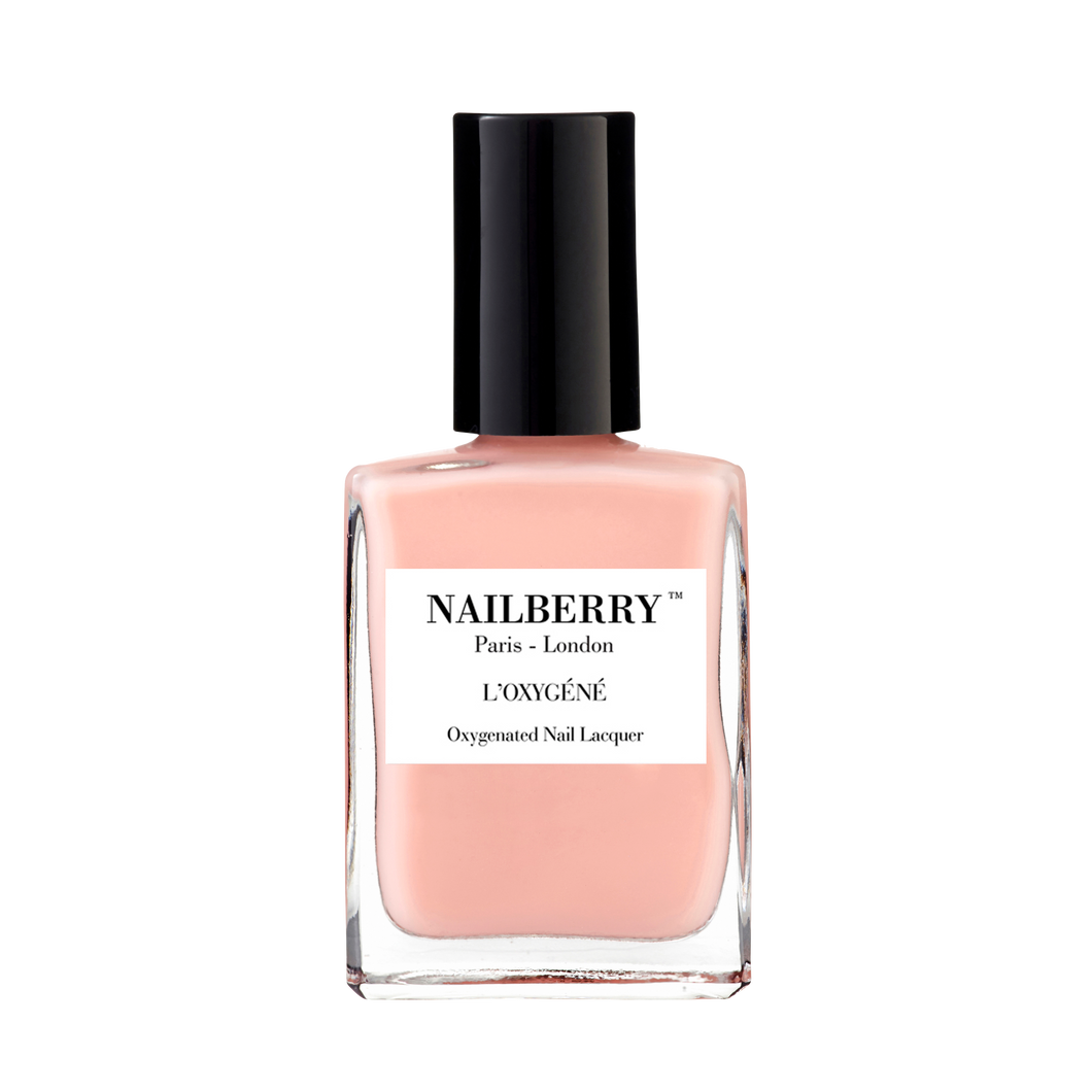 Nailberry L'Oxygéné A touch of powder Nagellack