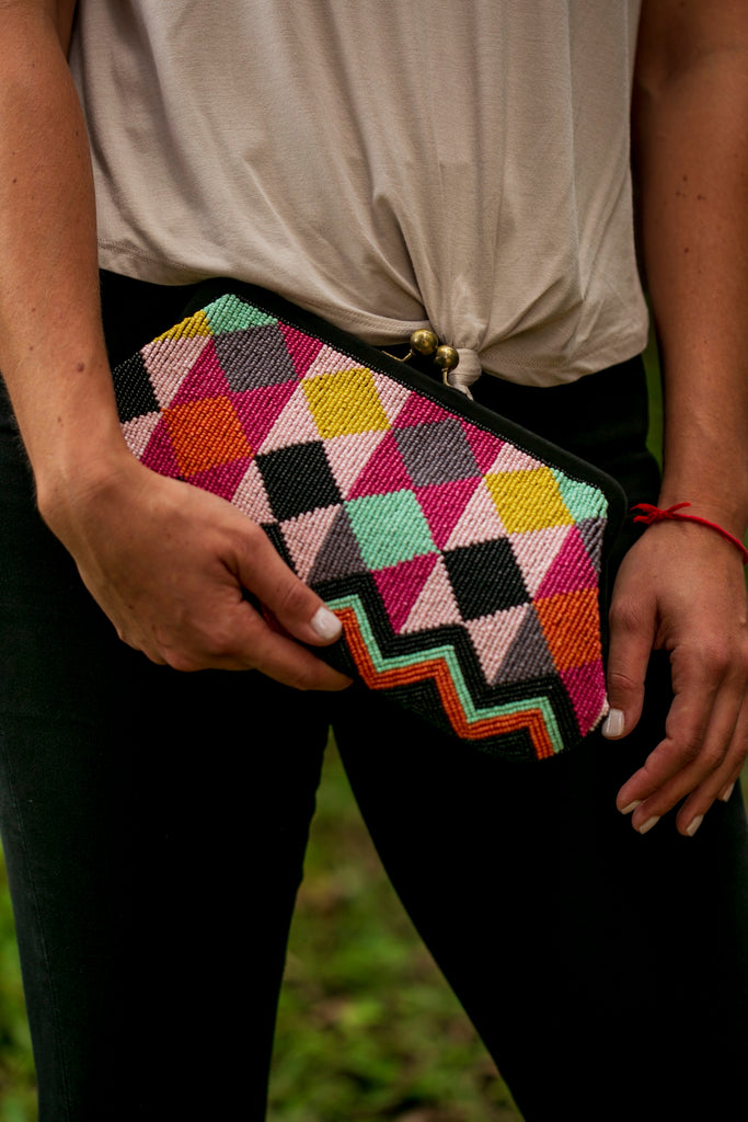Geometric Color Clutch