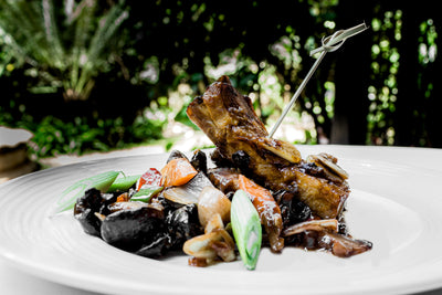 Braised Pork Spare Ribs With Black Mushroom In Soy Sauce | 88 | Chinese Restaurant Delivery | Villa Rosa Kempinski