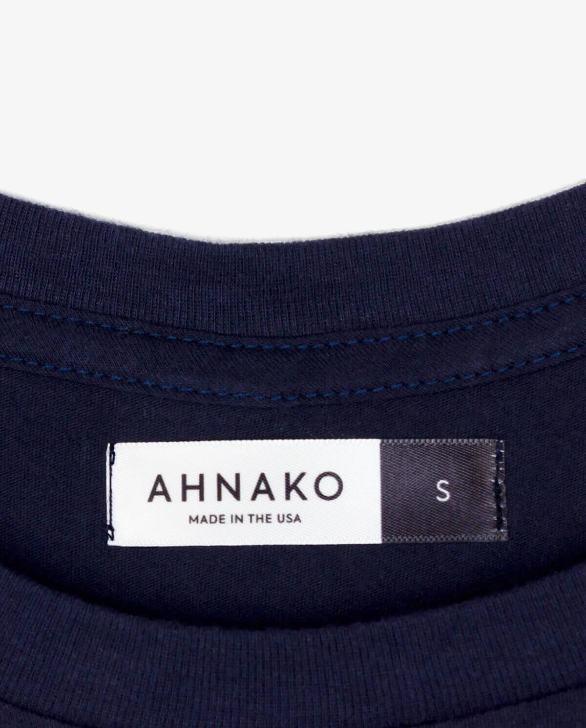 Ahnako Women's Mountains - Midnight T-shirt - Clothing Tag