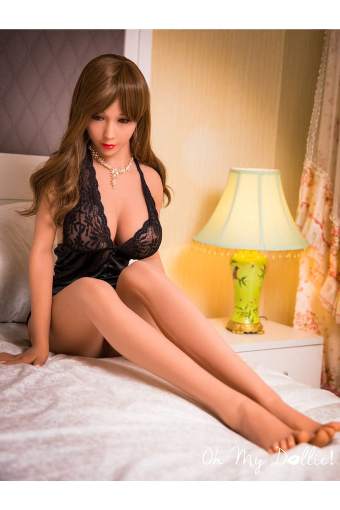 Sex Doll Ana- 5ft6in-(170 cm)- RealDoll