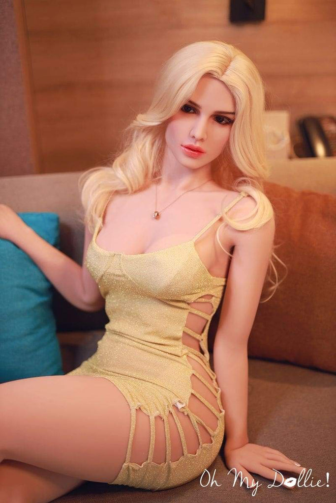 5ft4 Athletic Blonde Caucasian Custom Sex Dolls