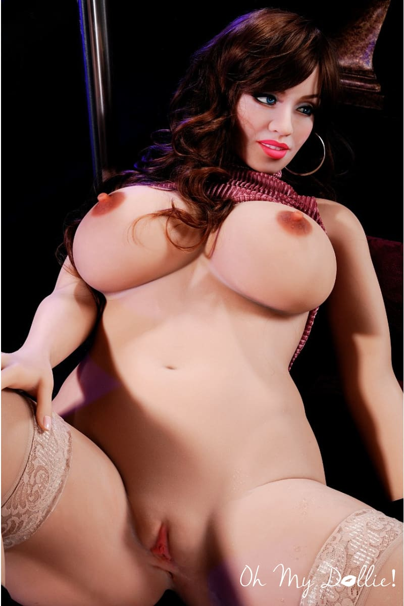 Sex Doll Tyna- 5ft6in- (170 cm)-BBW Sex Doll