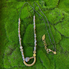 Load image into Gallery viewer, David Aubrey: Pearl Curve Necklace - Indie Indie Bang! Bang!