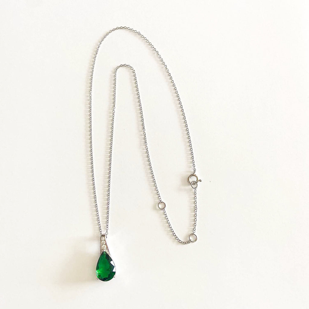 Pear shaped Green Quartz Necklace