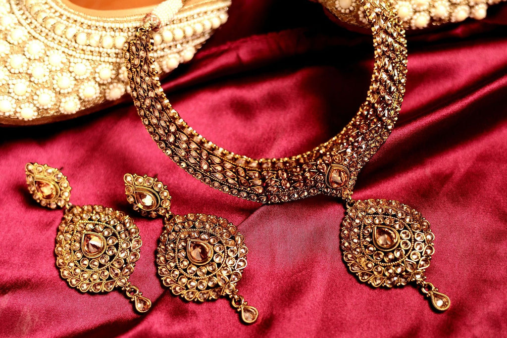 Antique Polki choker set.