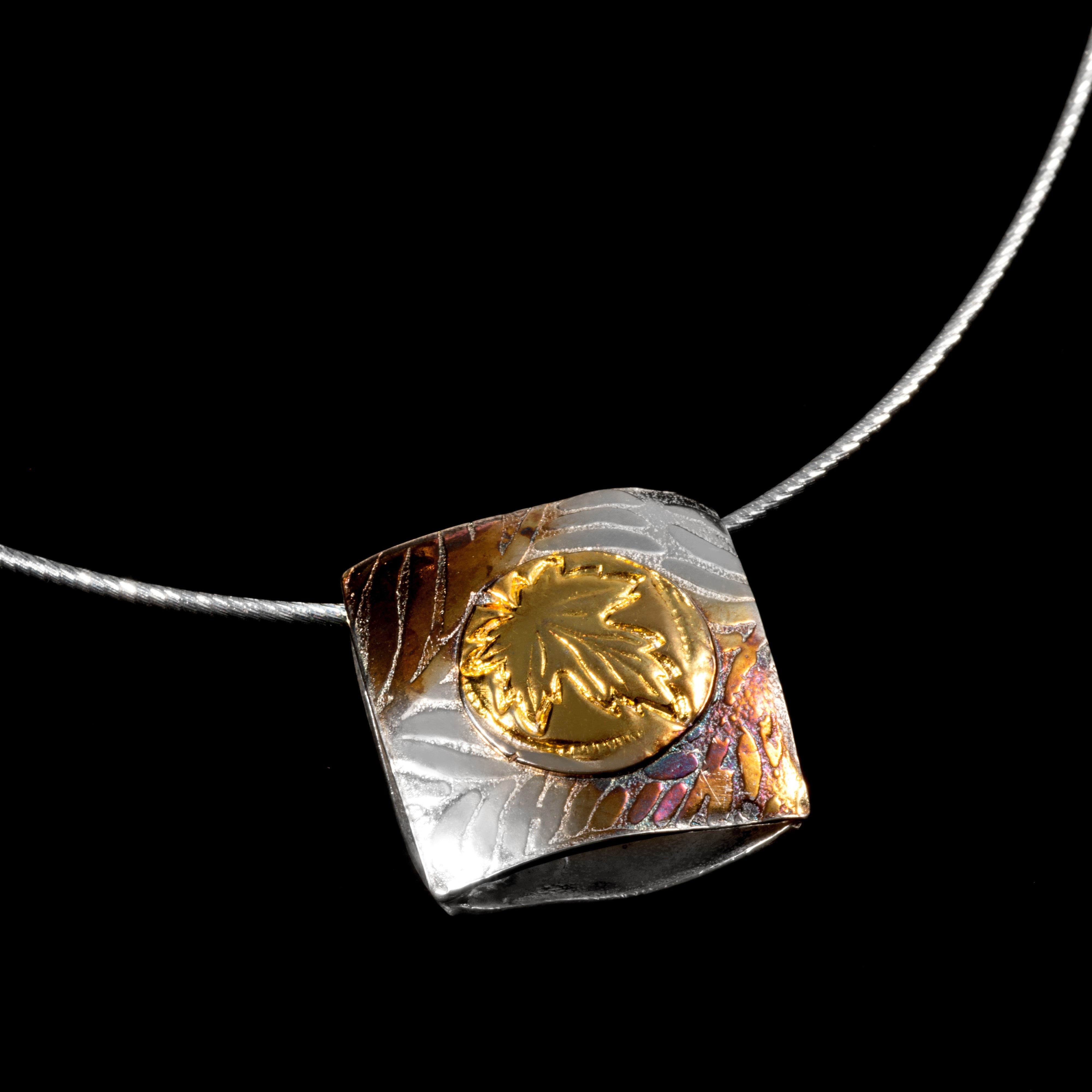Pendant Larimer and silver  double sided   nee