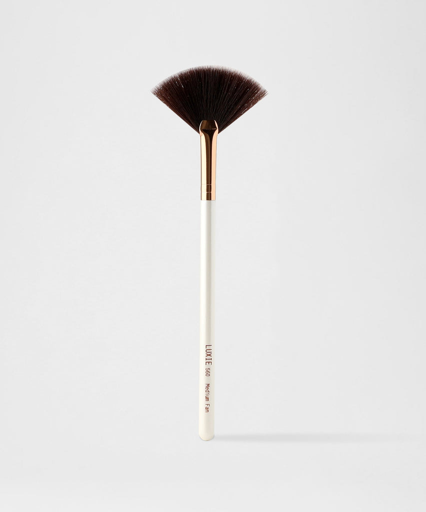LUXIE 560 Medium Fan Brush-Flawless - luxiebeauty