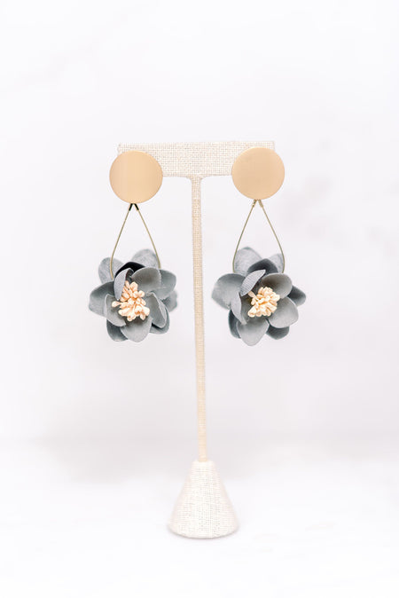 Flower Dangle Earbob - Gray