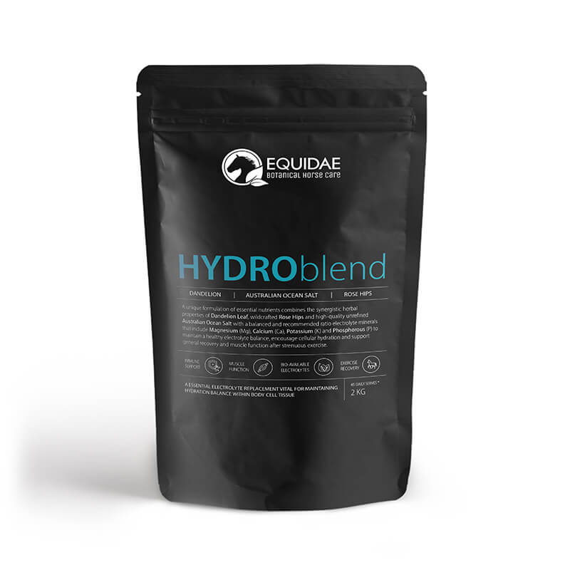Large bag of HYDROblend containing a range of natural electrolytes for horses being fed to stable of dehydrated horses in Australia