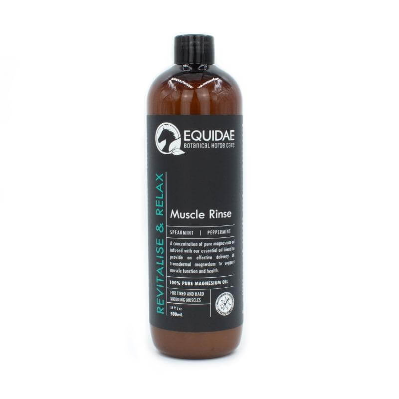 Horse muscle rinse with natural magnesium oil for horses