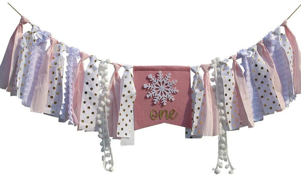 Winter Onederland Highchair Banner, Pink & Gold Snowflake High Chair Bunting Garland For Baby Girls Winter First Birthday Party Decorations Cake Smash Photo Prop Baby Shower Birthday Souvenir and Gifts Birthday Party Supplies