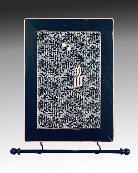 Wall Hanging Earring Holder & Jewelry Organizer - Leaves