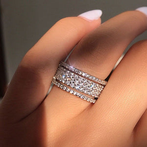 High polish rhinestone ring, with 3 band illusion