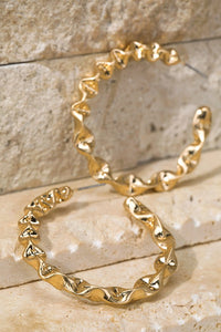 Twisted Metal Hoop Earrings // Gold