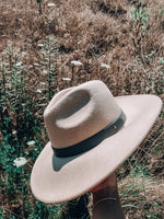 Load image into Gallery viewer, Carolina Hat // Ivory
