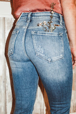 Load image into Gallery viewer, Blakely Est. Jeans
