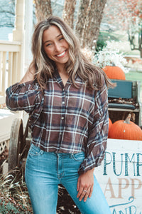 Cold Brew Kisses Plaid 3/4 Sleeve Top // Brown