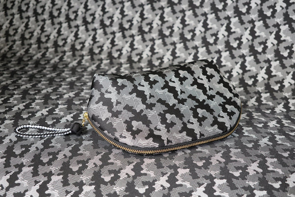 pure silk jacquard camouflage shell-shaped pouch black image2