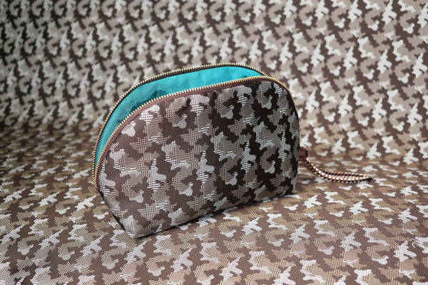 pure silk jacquard camouflage shell-shaped pouch brown image2