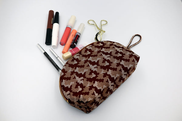 pure silk jacquard camouflage shell-shaped pouch brown image3