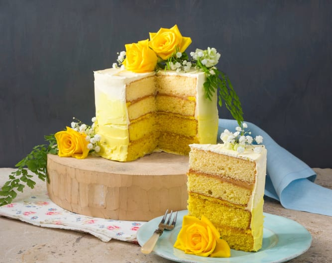 Lemon and elderflower ombre cake