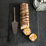Chocolate_hazelnut_meringue_roulade_SQ_J1P0419